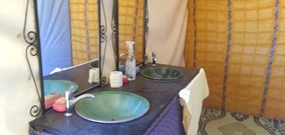 desert-camping-bathroom-1