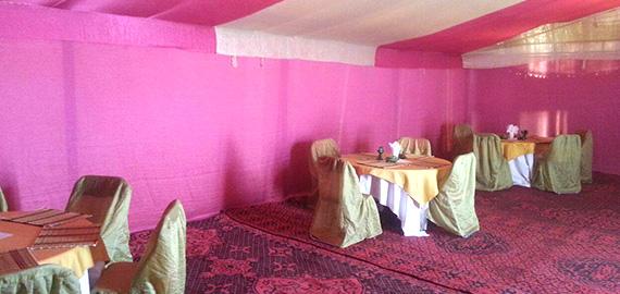 desert-camping-restaurant-1